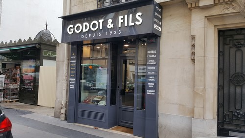 godotneuilly-1.jpg